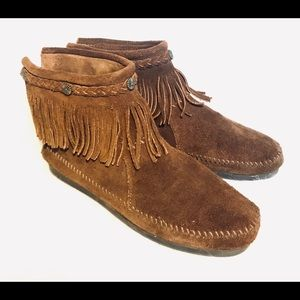 Minnetonka brown suede fringed ankle boots